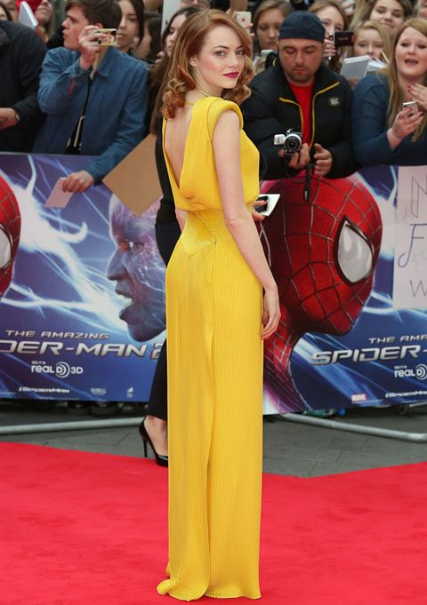Emma Stone Channels Old School Hollywood Glamour In A Stunning Yellow Dress By Atelier Versace The Star Sparked Flashbulb Frenzy As She Walked Red