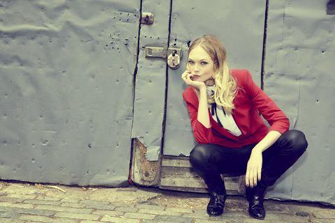 Sitting, Street fashion, Blond, Lipstick, Scarf, Leather, Boot, Photo shoot,