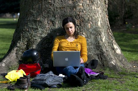Sitting, Electronic device, Laptop, Bag, People in nature, Computer, Trunk, Personal computer, Luggage and bags, Computer accessory,