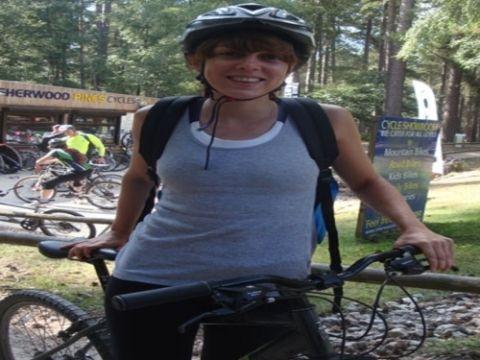Bicycle tire, Bicycle wheel rim, Helmet, Recreation, Bicycle, Bicycle helmet, Bicycle handlebar, Bicycle frame, Bicycle part, Bicycle wheel,