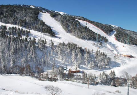 Winter, Mountainous landforms, Slope, Freezing, Snow, Mountain range, Mountain, Terrain, Hill station, Hill,