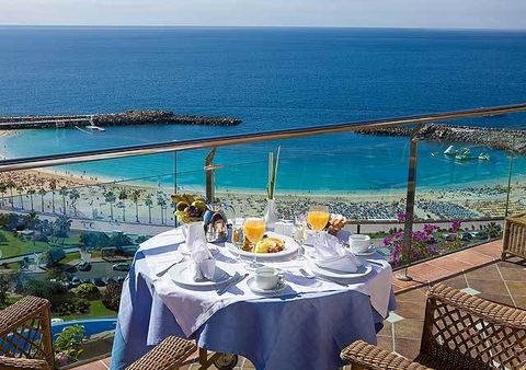 Body of water, Tablecloth, Coastal and oceanic landforms, Textile, Table, Ocean, Coast, Furniture, Sea, Linens,
