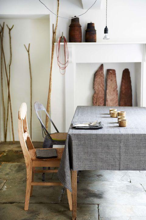 Wood, Room, Floor, Table, Interior design, Furniture, Hardwood, Interior design, Tablecloth, Home accessories,