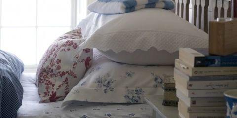 Textile, Bed, Room, Bedding, Linens, Bed sheet, Bedroom, Grey, Beige, Bed frame,