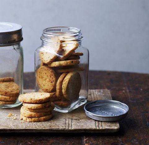 Finger food, Food, Ingredient, Cookies and crackers, Biscuit, Food storage containers, Mason jar, Baked goods, Cookie, Snack,