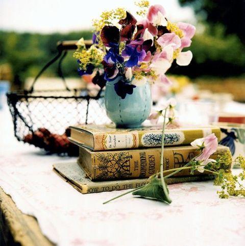 Petal, Bouquet, Purple, Lavender, Cut flowers, Flower Arranging, Floral design, Flowerpot, Floristry, Vase,