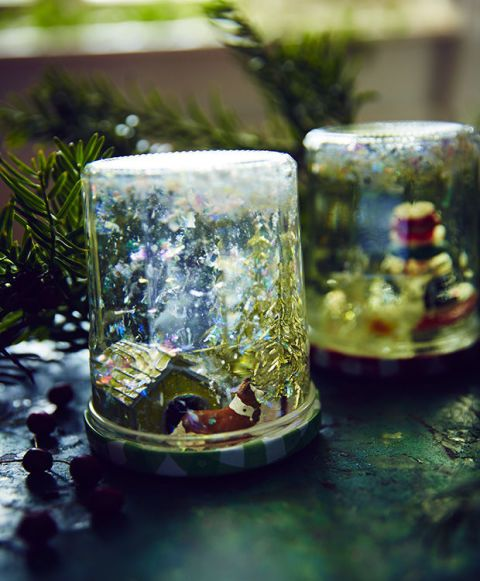 Glass, Drinkware, Reflection, Serveware, Still life photography, Porcelain, Cylinder,