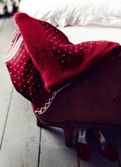 Red, Bag, Pattern, Carmine, Maroon, Costume accessory, Coquelicot, Bicycle saddle, Pattern,