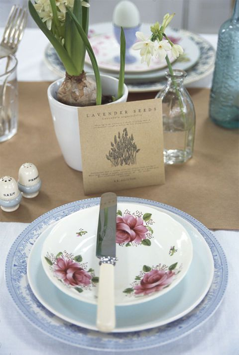 <p>Treat diners to a small gift with a packet of seeds at every setting as shown above or alternatively, turn these into name place holders using a luggage tag, tied around the packet using bakers twine. Continuing the rustic theme, mix and match china with vintage glassware and use a roll of kraft paper as a disposable table runner.</p>