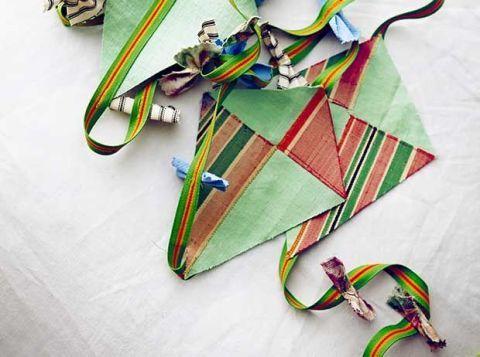 Creative arts, Craft, Origami, Paper, Triangle, Wire, Art paper, Paper product, Origami paper, Circuit component,