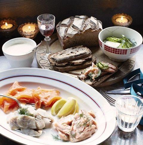 Serveware, Food, Dishware, Cuisine, Tableware, Ingredient, Drinkware, Table, Meal, Dish,