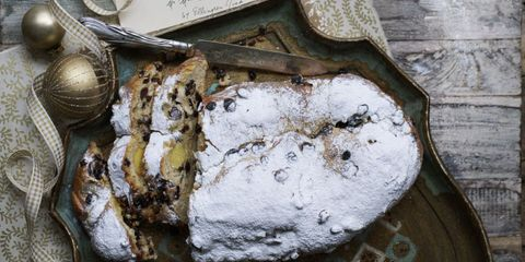 Stollen on tray dusted with icing sugar