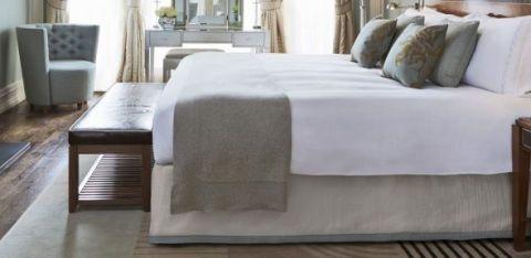 Claridge's hotel bedroom