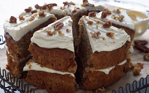 Dish, Food, Cuisine, Dessert, Cake, Whipped cream, Ingredient, Baked goods, Torte, Cream,