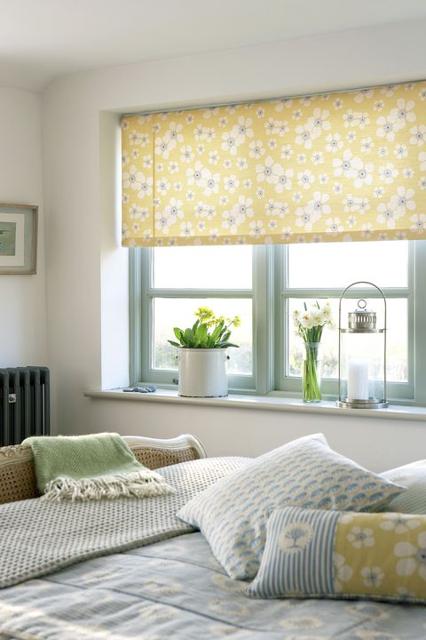 The Ultimate Guide To Choosing The Right Blinds For Your Home Beauteous Living Room Window Blinds Design