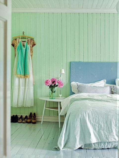 Green, Room, Interior design, Textile, Teal, Linens, Turquoise, Bedding, Bed sheet, Aqua,
