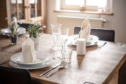 Serveware, Dishware, Room, Table, Furniture, Interior design, Tableware, White, Napkin, Interior design,