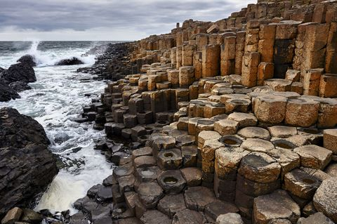 An area of around 40,000 interlocking columns, formed as a result of a volcanic eruption: Giants Causeway is a geological marvel.