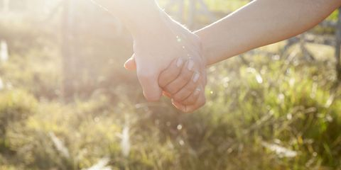 date holding hands romantic