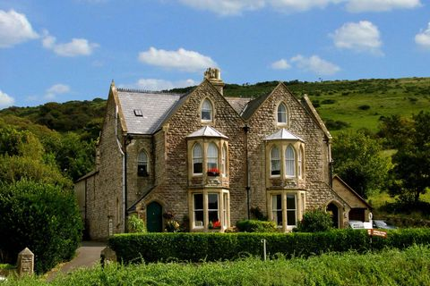 Country Guest House In West Lulworth Dorset