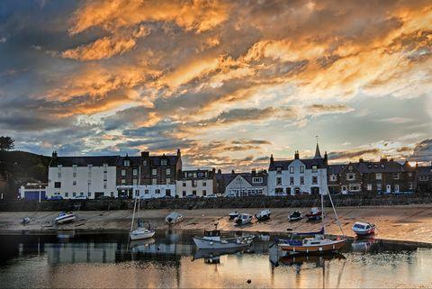scotland harbour village