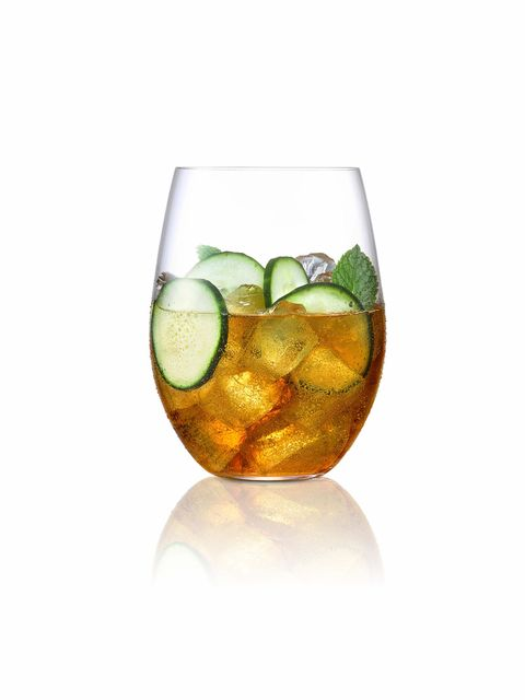 Drink, Liqueur, Distilled beverage, Alcoholic beverage, Highball glass, Iced tea, Ti'punch, Cocktail, Lime, Old fashioned glass,