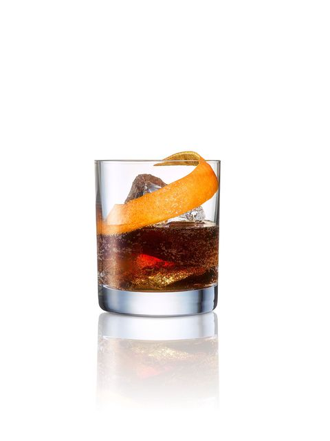 Drink, Black russian, Amaretto, Old fashioned glass, Old fashioned, Distilled beverage, Liqueur, Alcoholic beverage, Liquid, Tumbler,