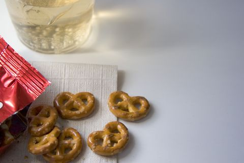 airplane food pretzels