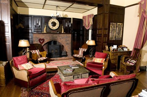 Living room, Room, Interior design, Furniture, Pink, Property, House, Building, Couch, Table,