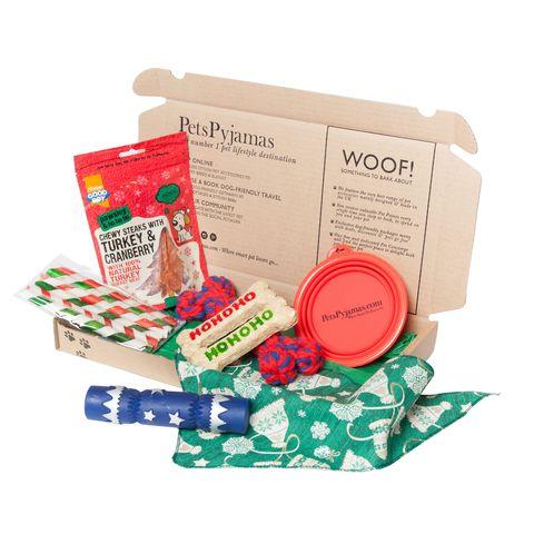 CHRISTMAS DOG TREAT BOX £22 PetsPyjamas