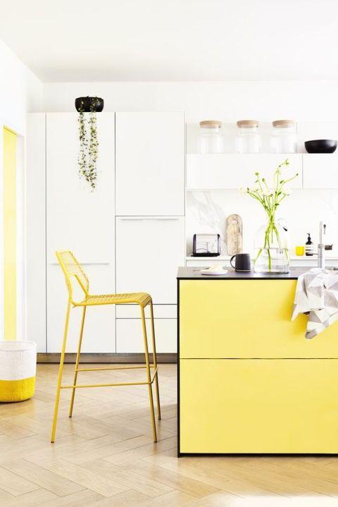 Style inspiration: Sunshines shades - yellow. Styled by Lorraine Dawkins.