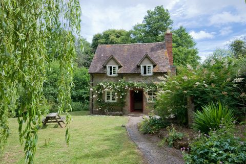 This Quintessential English Country Cottage From National