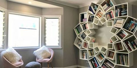 A couple created this amazing bookcase for their children in just one day