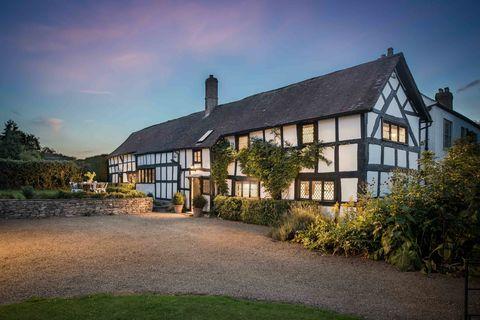 Hollyhocks - Herefordshire - exterior - Unique Home Stays