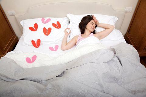 Hair, Nose, Human, Comfort, Room, Human body, Bedding, Bedroom, Textile, Bed sheet,