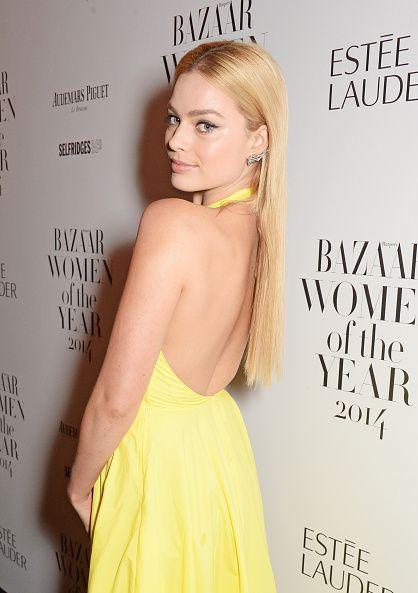 <ul><li>裙子的背後也不讓人失望,整體上完全沒有任何一點有缺失,連柔順的直髮也一樣完美。</li></ul>