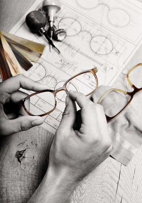 Illustration, Artwork, Line art, Drawing, Stationery, Kitchen utensil, Wire,