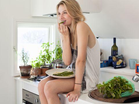 Leaf vegetable, Ingredient, Food, Produce, Bottle, Vegetable, Major appliance, Home appliance, Plate, Kitchen,
