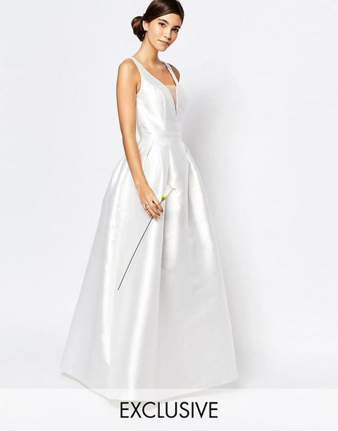 Clothing, Sleeve, Dress, Shoulder, Textile, Joint, White, Bridal clothing, One-piece garment, Formal wear,