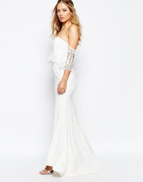 Skin, Shoulder, Joint, White, Elbow, Dress, Gown, Fashion model, Formal wear, Waist,