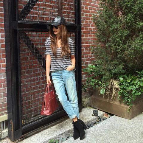 Clothing, Leg, Brick, Trousers, Shoulder, Denim, Textile, Brickwork, Jeans, Hat,