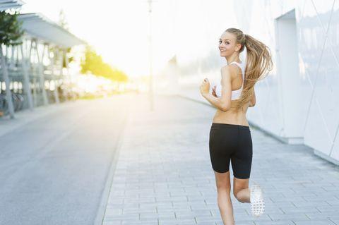 Human leg, Shoulder, Photograph, Joint, Elbow, Waist, Knee, Active pants, Thigh, Beauty,
