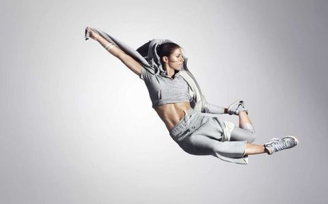 Denim, Joint, Elbow, Human leg, Knee, Thigh, Flash photography, Fashion model, Model, Photo shoot,