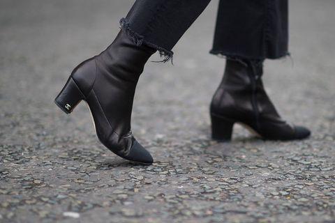 Footwear, Leg, Shoe, Human leg, Joint, High heels, Style, Leather, Fashion, Black,