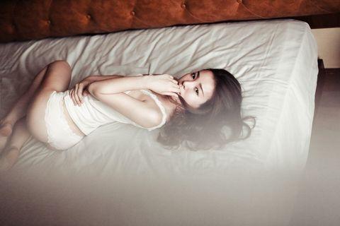 Lip, Eye, Hairstyle, Skin, Comfort, Room, Beauty, Couch, Linens, Eyelash,