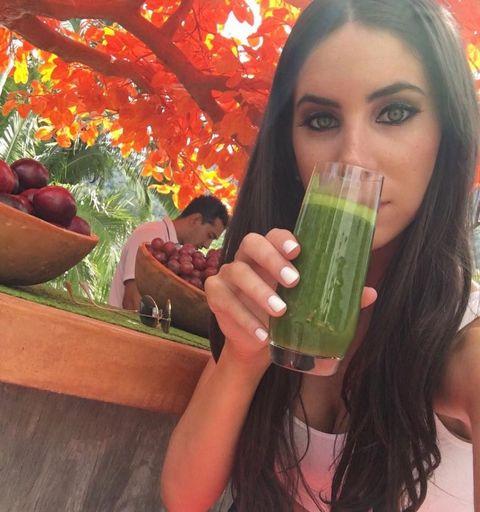 <p>除了美臀達人之外,Jen Selter平時也是一個熱愛健康美食的甩脂達人,自製蔬果汁除了超營養健康之外又低熱量!</p>