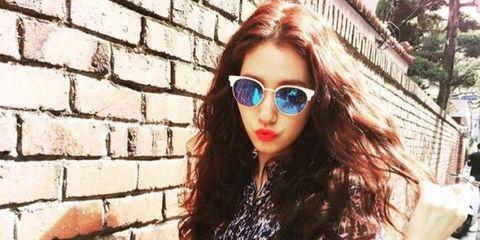 Clothing, Eyewear, Glasses, Vision care, Sunglasses, Sleeve, Outerwear, Brick, Style, Street fashion,