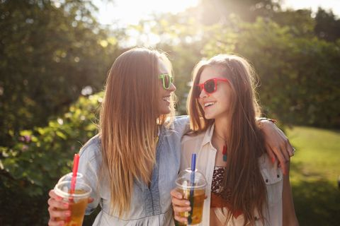 <p>女孩們成長的過程中一定少不了閨蜜的陪伴,她參與了妳生命中許多重要的時刻,陪妳哭陪妳笑,但妳是不是根本沒有記清楚她一直以來為妳做過什麼事呢?以下這13件小事絕對能讓妳想起那些她曾為妳做的付出!  </p>