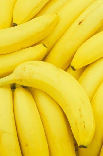 <p>水腫其中一個成因是攝取太多鹽分(鈉質),香蕉含豐富鉀質,能有助身體排出多餘的納,自然也就能改善水腫的問題了,另外香蕉對於正在減肥的女孩來說也是很好的食物喔.<span></span></p>