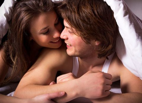 <p><span>當激情到了一個小段落或剛結束一陣高潮後,男人緊貼著妳,輕撫妳的肌膚,氣喘吁吁地問妳是否還想要,實際上,他是想告訴妳「怎麼樣,我是不是強到讓妳想一要再要」,這時候可千萬別認真的告訴他妳還想要,因為他下一秒只想倒頭就睡,妳要做的就是讚美他就好了!</span></p>